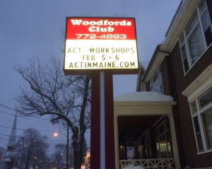 woodfords_sign